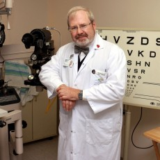 Marc Renaud, JGH Ophthalmic Technician and Project Manager of the McGill Glaucoma Information Centre.