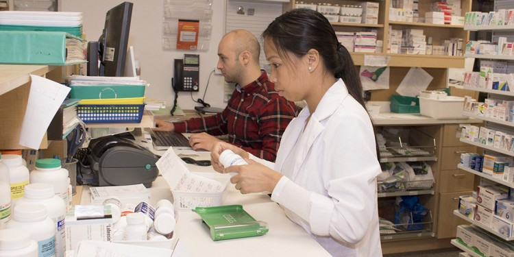 Questions about disposing of your medication can be answered by your local pharmacist, such as those in the Proxim outlet at the Jewish General Hospital.