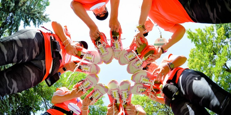 Participants put their best feet—and shoes—forward in the OneWalk to Conquer Cancer.