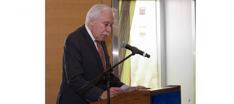 Allen F. Rubin delivers his acceptance speech on receiving the JGH's Distinguished Service Award.