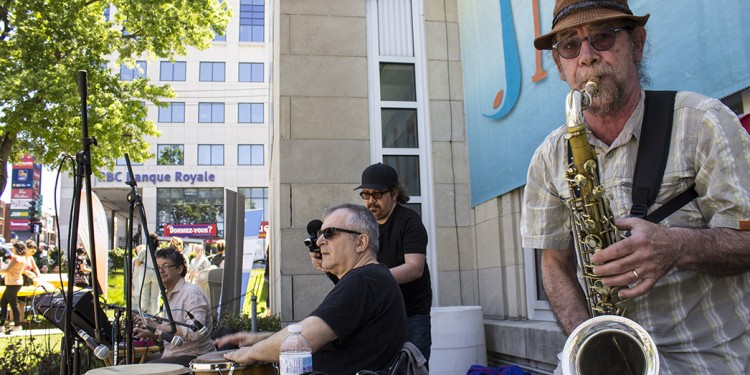 Bryan Highbloom (right), founder of the JGH Jazz Festival, performs at the festival with Dr. Wendajam and his Traveling Medicine Show on June 12.